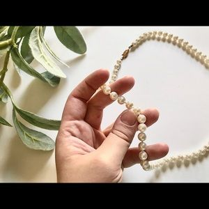 Vintage Jewelry - <VINTAGE> Classic Audrey Hepburn String of Pearls